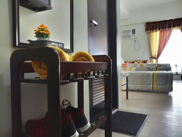 Lovely Home near MRT/Trinoma/SM North w/Netflix