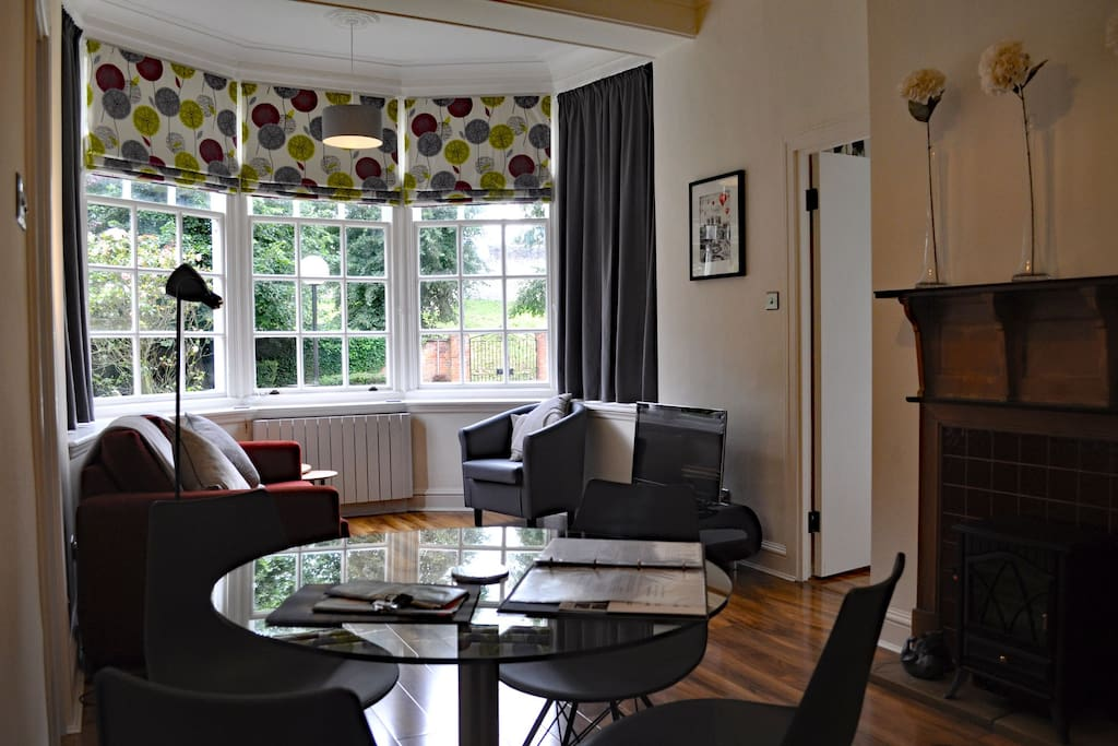 Lounge with views of the City Walls and York Minster