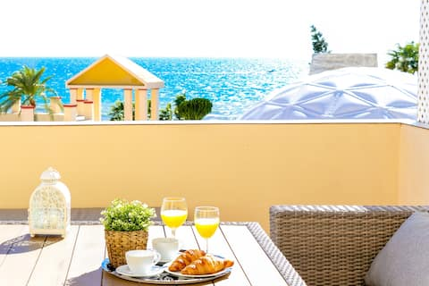Fantastic beachfront apartment Romana Playa