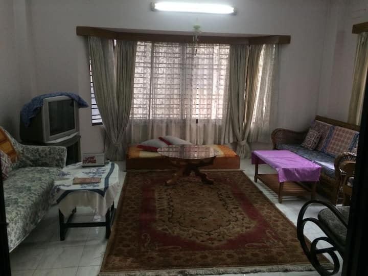 A family apt. in very good residential area.