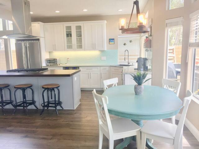 Beautiful family friendly home in Carlsbad!!!