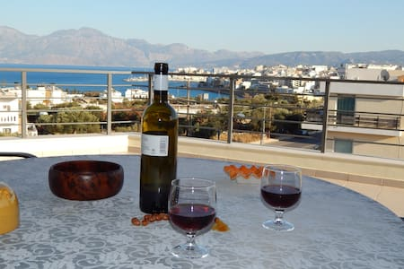 Sunny appartment, amazing view!!!! - Agios Nikolaos - Huoneisto