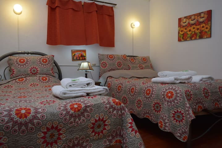 CARLOS -ROOM WITH TWIN BEDS -CUSCO - Cusco - Haus