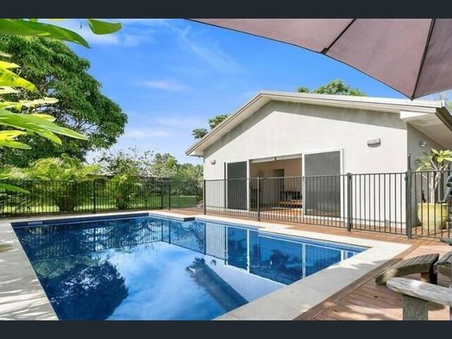 Exceedingly Spacious Guest House close to Noosa