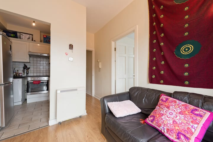Single Room good for sightseeing and close to town