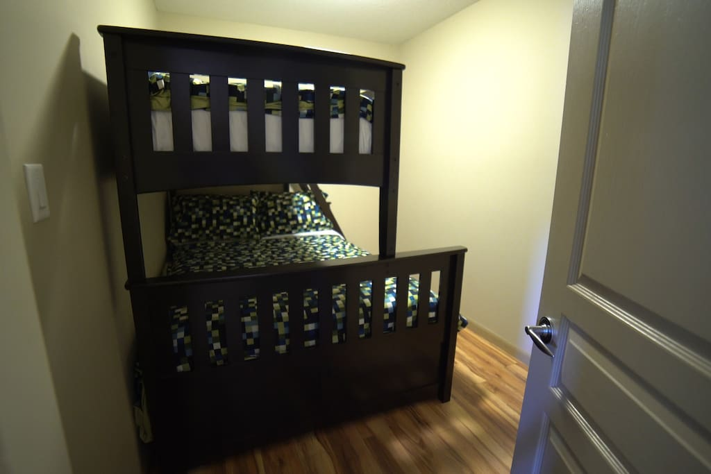 Den with Bunkbed