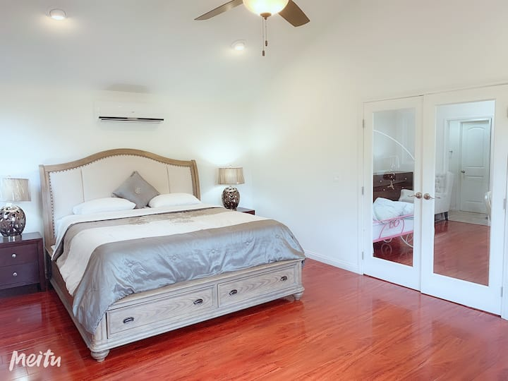 Two rooms in one !private A/C and bathroom