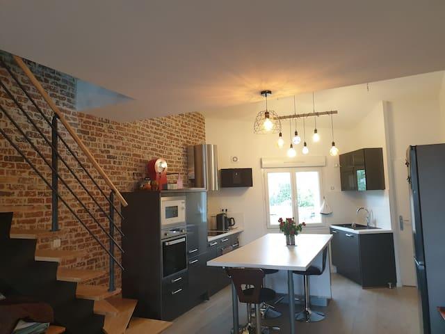 Loft 110 m2 Duplex Neuf terrasse privée jacuzzi