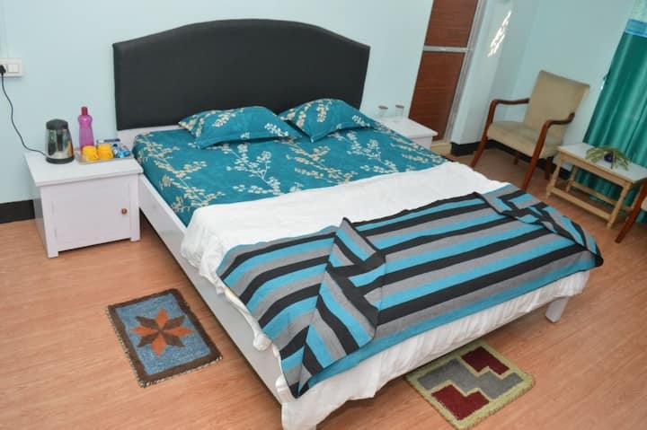 Doloi's home . Room 1