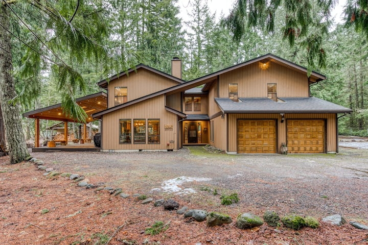 Spacious, Family-Friendly House w/ Private Hot Tub, Free WiFi, & Wood Fireplace
