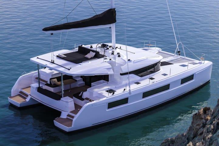 50 feet catamaran yacht  salon   3  oda üç banyo