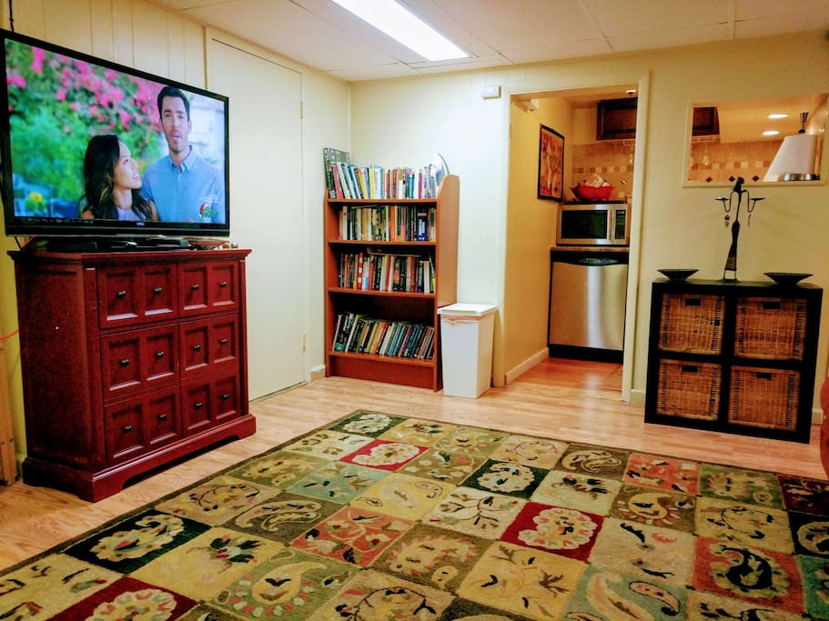 """48"""" Smart TV comes with digital cable premium channels,(HBO/Cinemax/Showtime /Starz/ etc)plus streaming capability for Netflix, Amazon, Hulu etc: book library fully functional kitchenette with dish washer."""