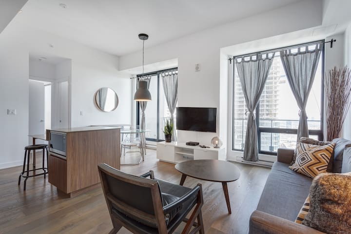 ☆Two Bedroom with Amazing View Over the River ☆