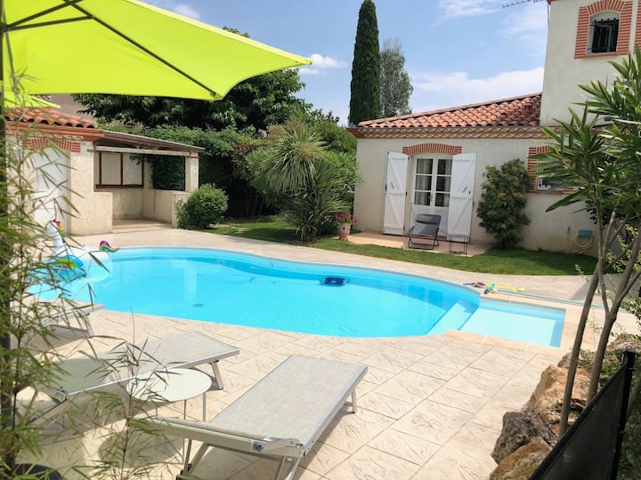 Wonderful house with heated pool 15 min Toulouse