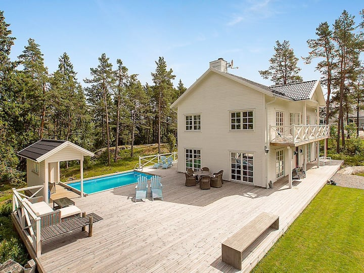Modern house w pool and  garden in the arcipelago