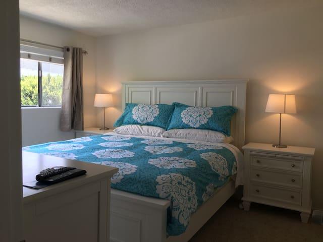 Fantastic Location, 2 Master Bedrooms, Super Clean
