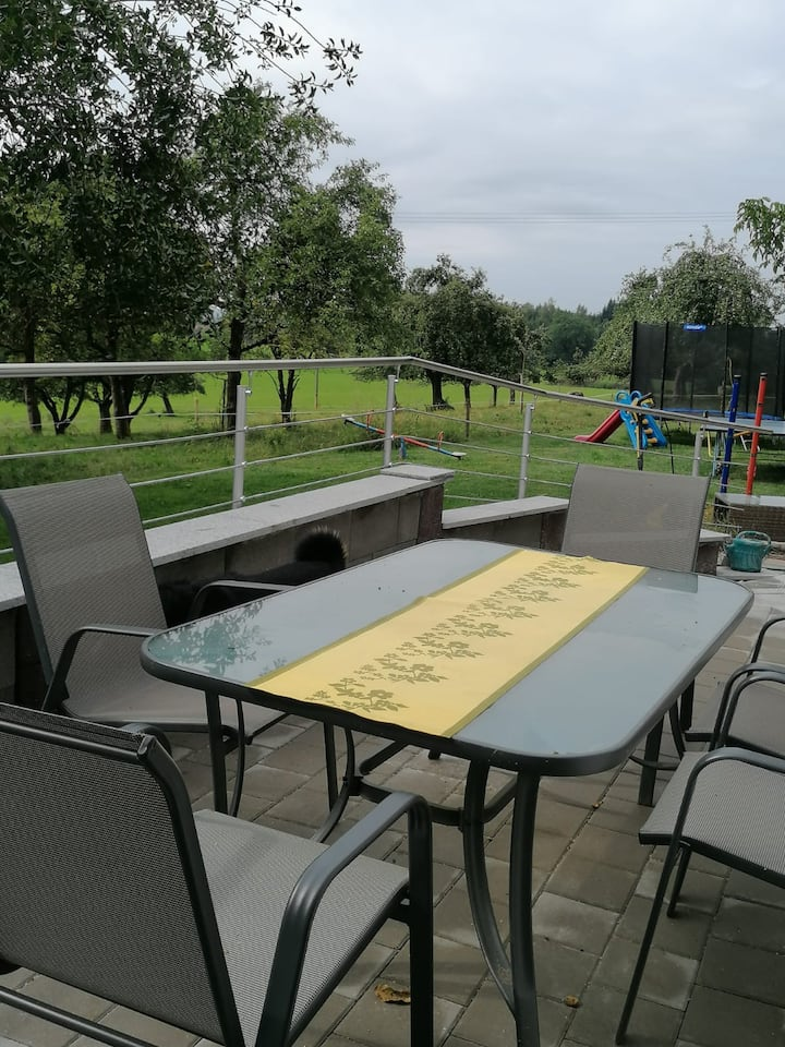 """Cosy Apartment """"Ferienwohnung Auszeit"""" on Farm with Mountain View, Wi-Fi, Terrace & Garden; Parking Available, Pets Allowed"""