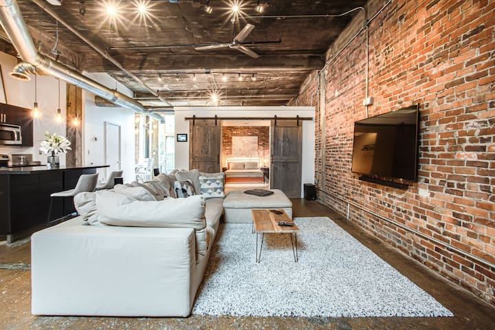 Luxury Smart Beltline Loft