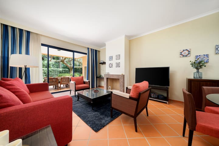 Ground Floor Apartment, Garden and Pool, Vila Sol