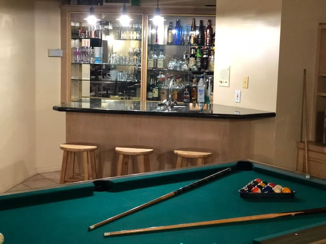 Pool room in 1/2 acre lot