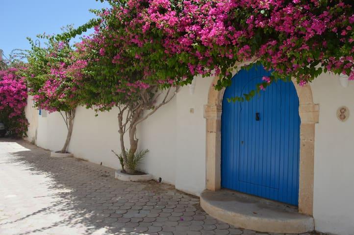 Houch au cœur du plus beau village Djerbien - Medinine - Casa
