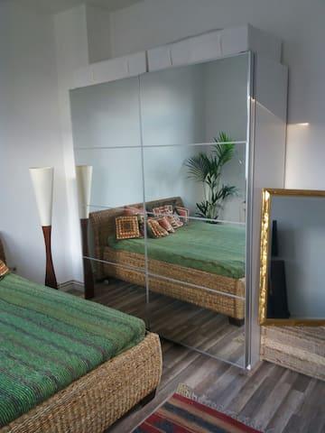Perfekte Lage mit Altbaucharme - Osnabrück - Apartment