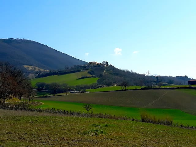Il Castello su due Valli