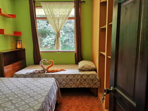 Private room   5 Minutes from the SJO airport.