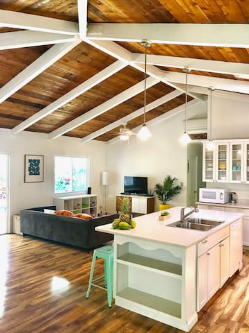 *NEW* Bright, Cozy, Private 3BD/2BA House