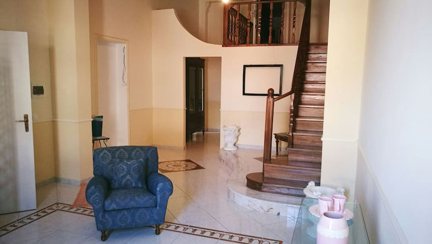 Appartamento con camera in mansarda - Palermo - Appartement
