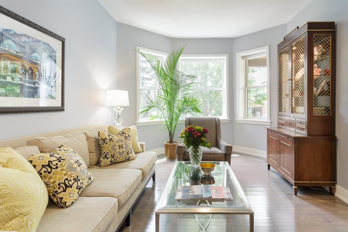 Calm, Airy House with a Garden Patio