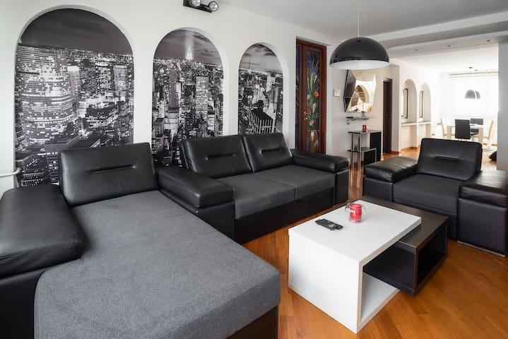 Palacio - 2 bedroom apartment on Main Square
