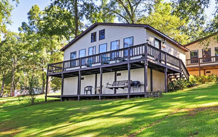 Lakefront 2BR Georgetown Cabin w/Private Dock - Georgetown - Cabaña
