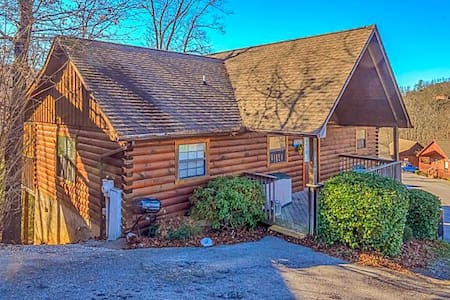 Almost Heaven 2BR/2BA Sleeps 6 - Sevierville - Cabane