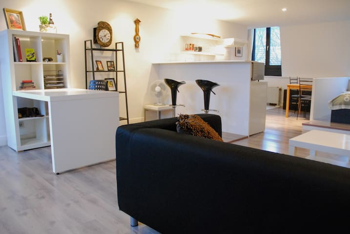 Modern Studio in a great location in Antwerp - Antuérpia - Apartamento