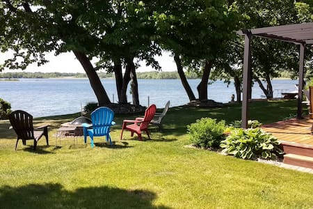 Lakeshore Living MN - 20' from water & Wow Sunsets