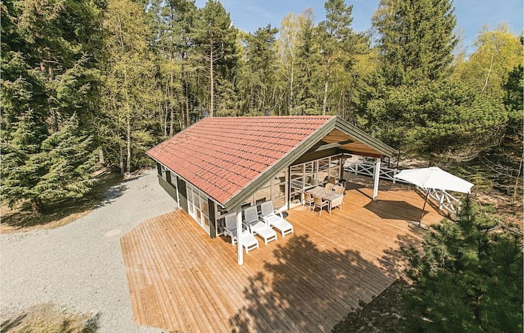 Holiday cottage with 2 bedrooms on 86m² in Nexø