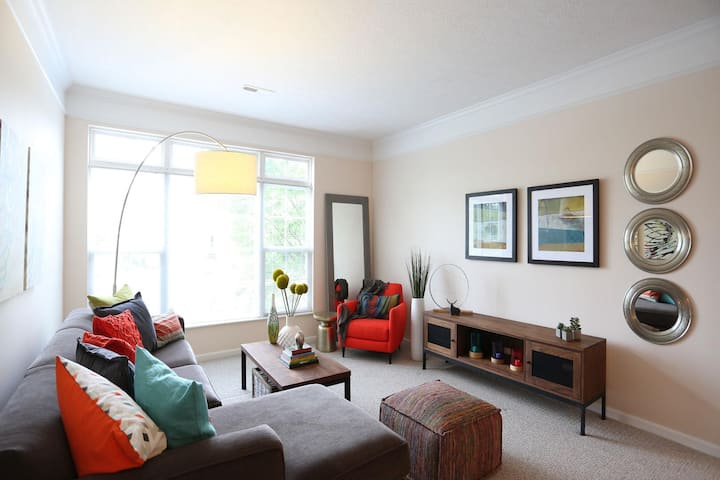 Upscale apartment home | 1BR in Columbus
