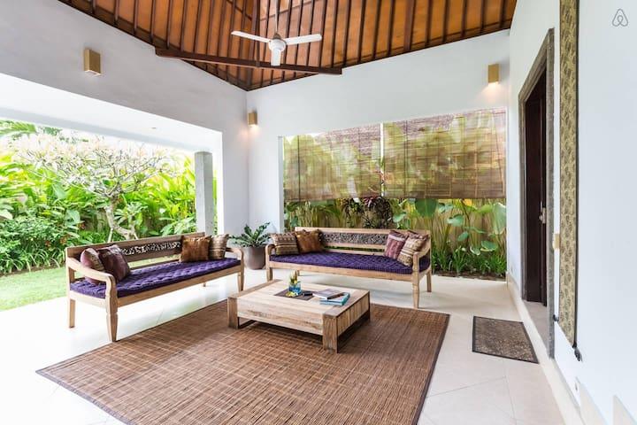 North Kuta Umalas  2 bdr villa privatepool - Seminyak - Villa