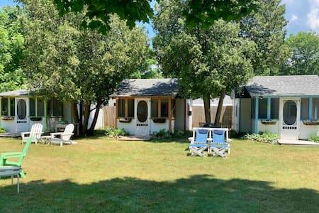 Sand Castles Cottages #1 Tiny House 1 Mile Lake MI
