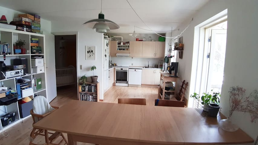 Big and bright apartment close to the beach