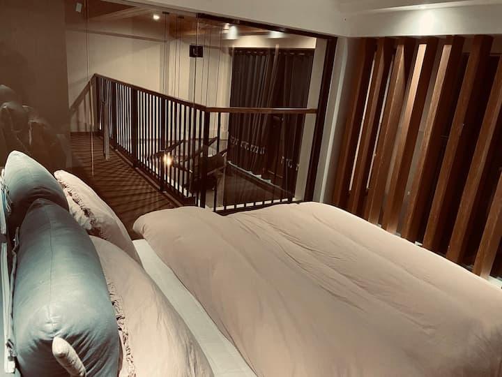 『侣行家』拿铁/LOFT精致双卧/跃层影音卧室/露台庭院聚会空间