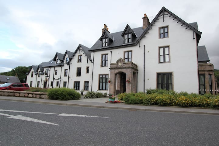 4 The Monaltrie Ballater