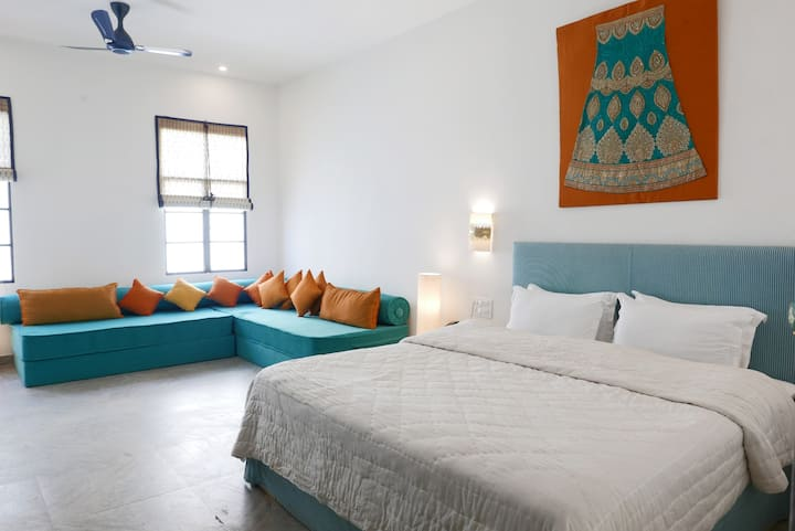 Signature room  Double bed in jaipur city.