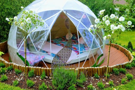 Bulle-igloo Chez Lila des bois, spa, piscine