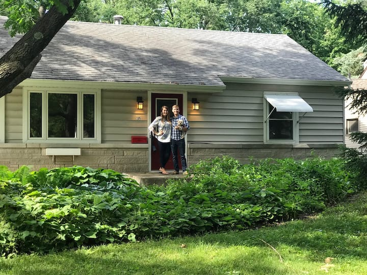 Renovated Ranch Near Campus w/parking & hot tub