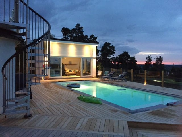 Breath taking view! Guesthouse in Tyresö Stockholm - Tyresö - ゲストハウス