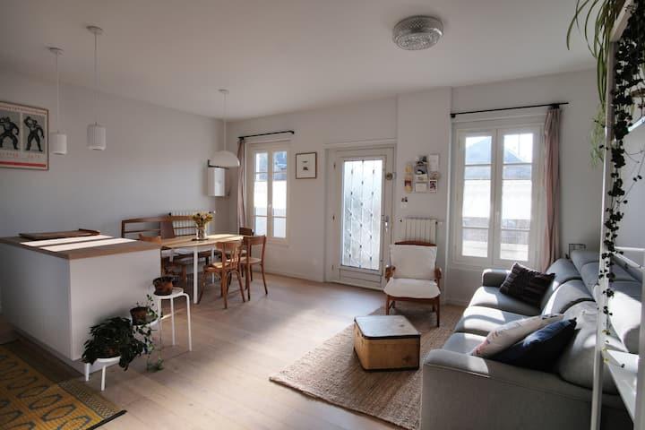 Appartement avec jardinet en ville / Proche gare