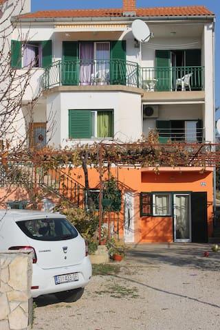 Apartmani Bozena - Brodarica - Casa