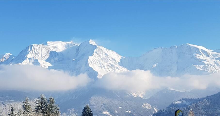 Appart F2 proche commodités et station de ski.